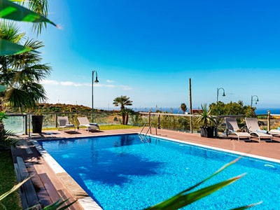 Spacious Villa With Heated Pool, Games Room, Sauna, Sea View | Villa Sol e Mar