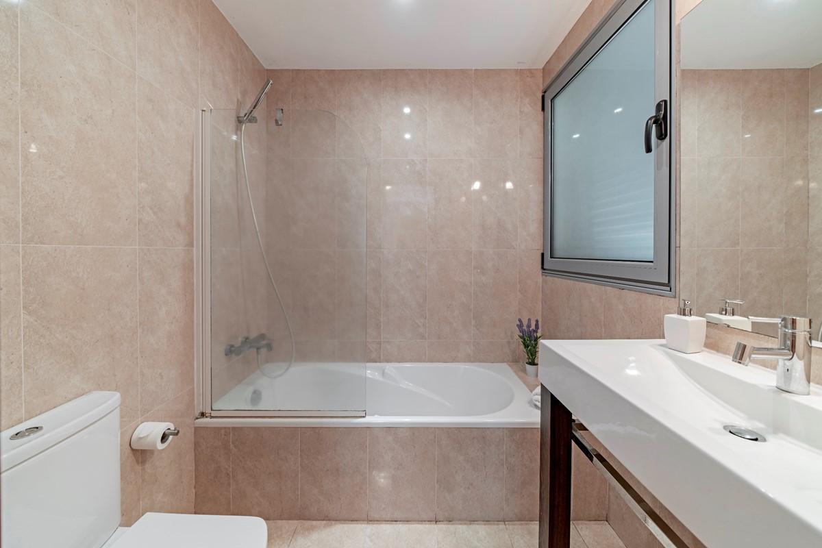 15 Our Madeira Villa Sol E Mar Masterbathroom