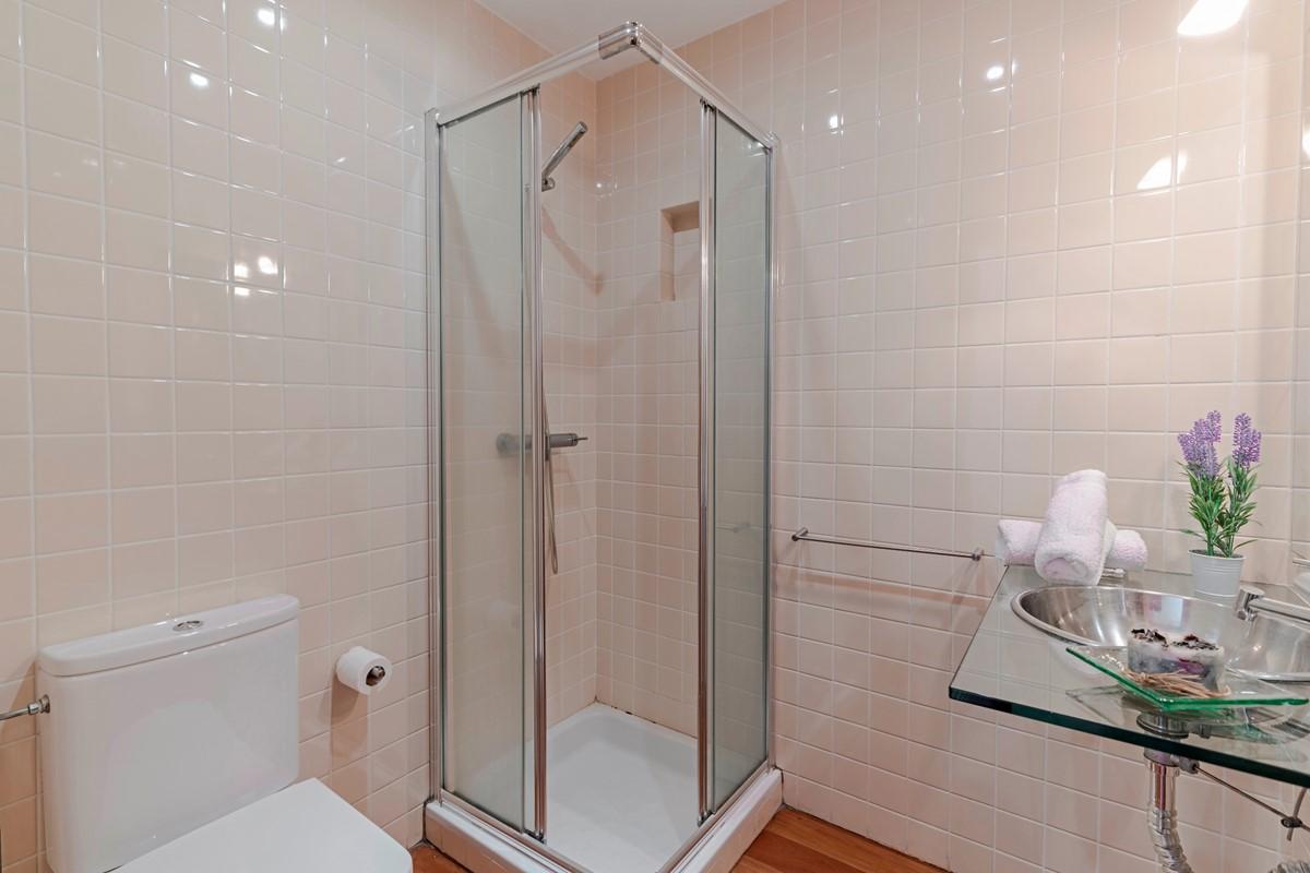 19 Our Madeira Villa Sol E Mar Shower Room