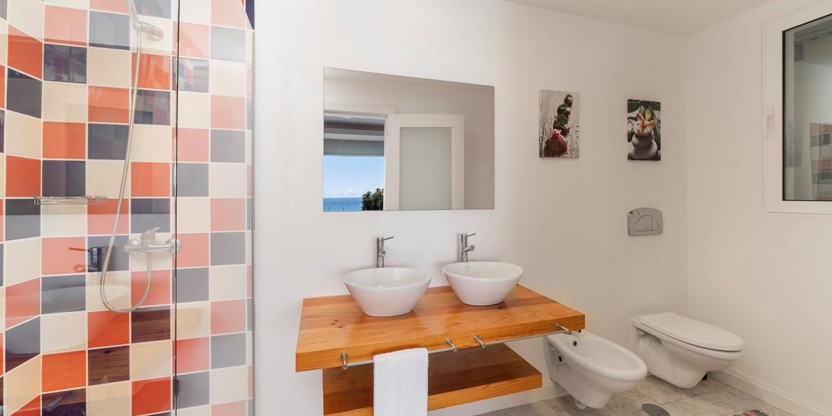12 Our Madeira Villa Do Mar 3 Bathroom