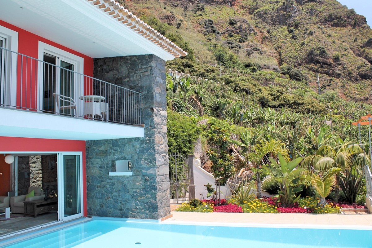 19 Our Madeira Villa Do Mar III Exterior Background Mountains