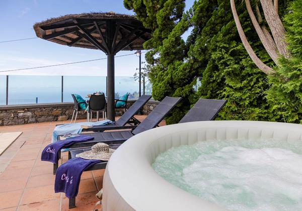Our Madeira Villas in Calheta with Hot Tub - Cris's Home