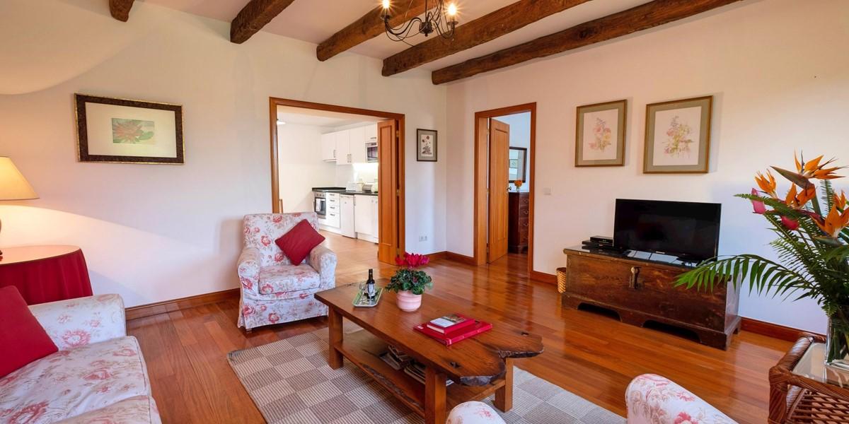 5 Our Madeira Loja Da Lenha Living Room
