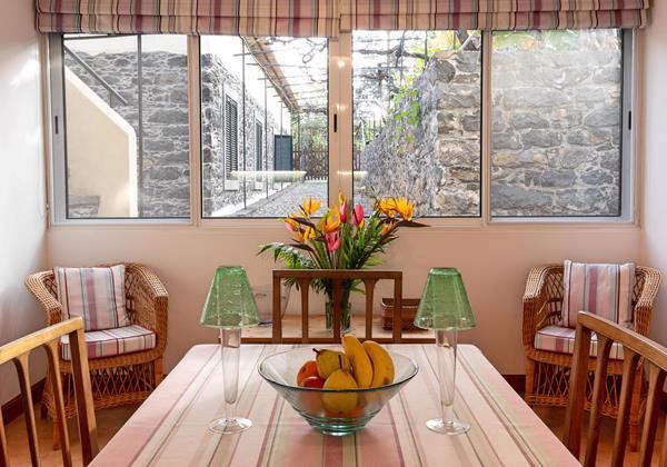14 Our Madeira Loja Da Lenha Dining Area