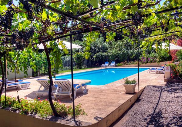 17 Our Madeira Loja Da Lenha Pool Area