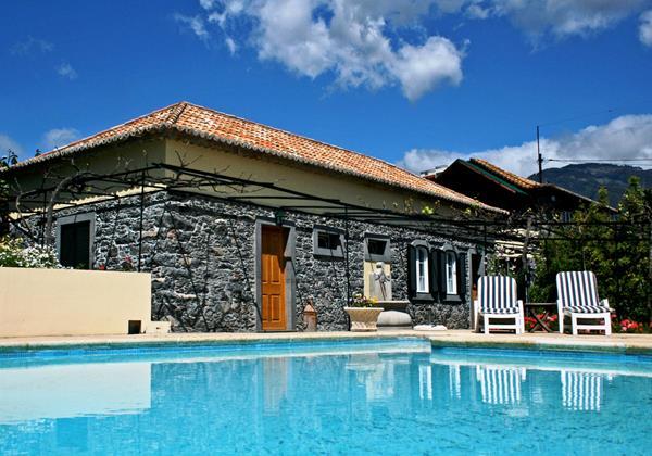 18 Our Madeira Loja Da Lenha Pool Area