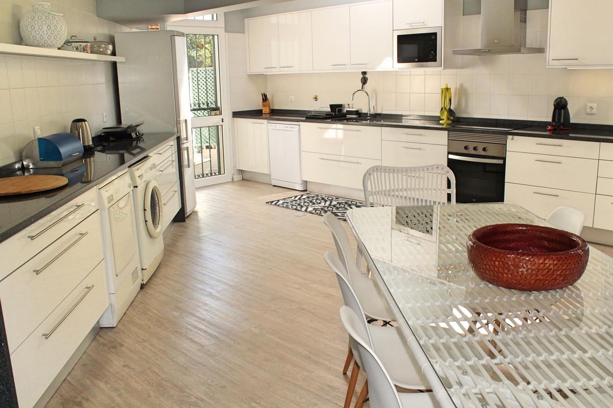 10A Ourmadeira Villa Da Falesia Kitchen