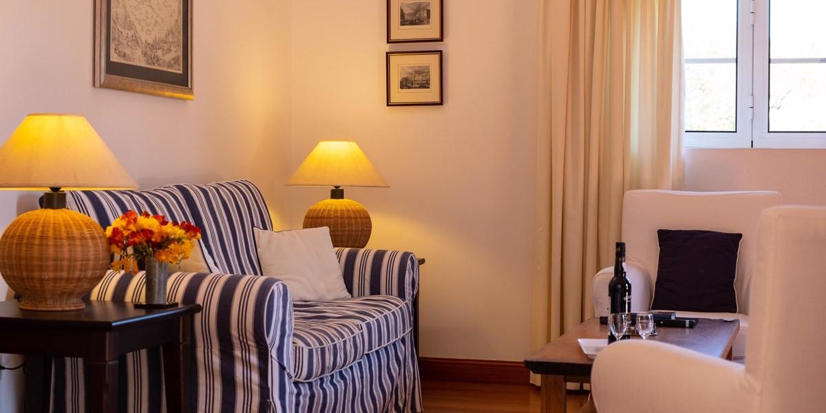 6 Our Madeira Casa Do Feitor Sofa