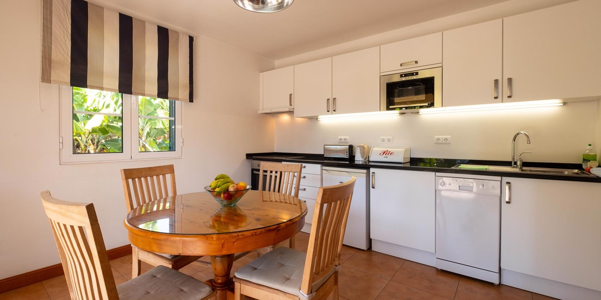 8 Our Madeira Casa Do Feitor Kitchen