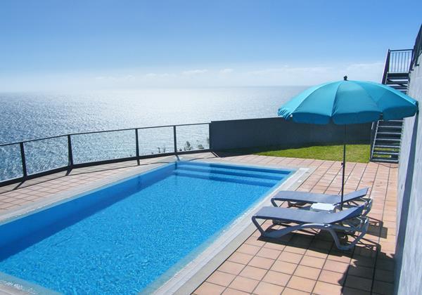 2 Our Madeira Villa Oceano Pool Area