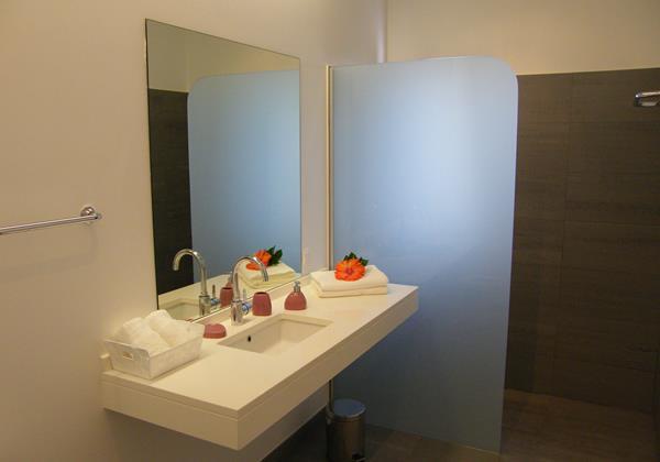 15 Our Madeira Villa Oceano Bathroom