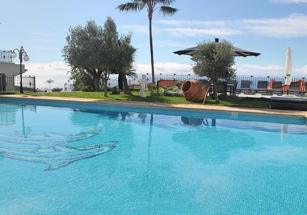 27 Our Mdeira Villas in Madeira with Large Pool Belair