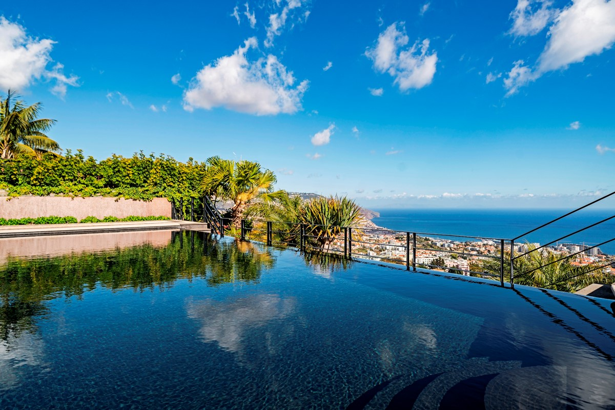 2 Our Madeira Villa Luz Pool And View
