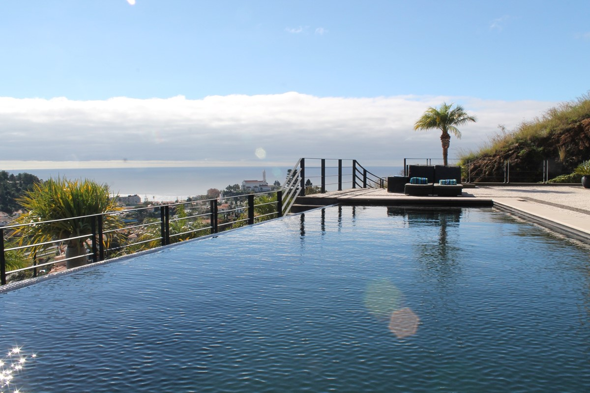 4 Our Madeira Villa Luz Pool And View 1