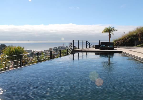 Our Madeira - Vilas in Madeira with Infinity Pool - Villa Luz Pool