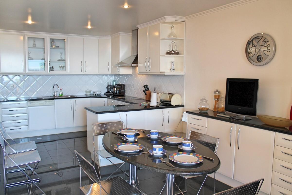 11 Our Madeira Villa Luz Kitchen