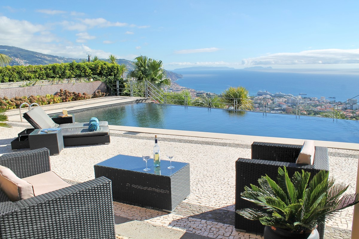 23 Our Madeira Villa Luz Pool And View 2