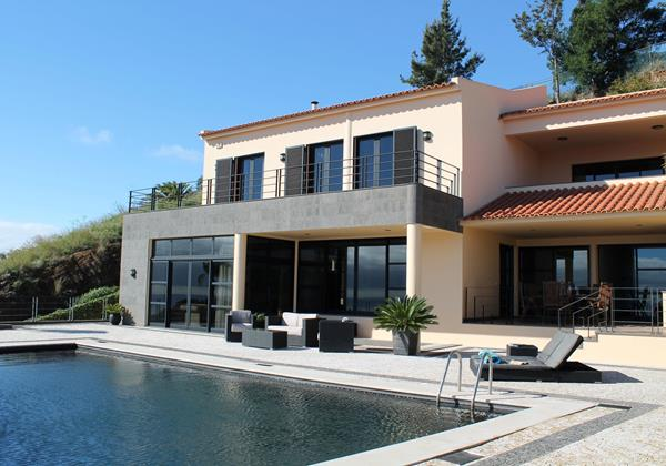Our Madeira - Villas in Madeira with 6 Bedrooms - Villa Luz