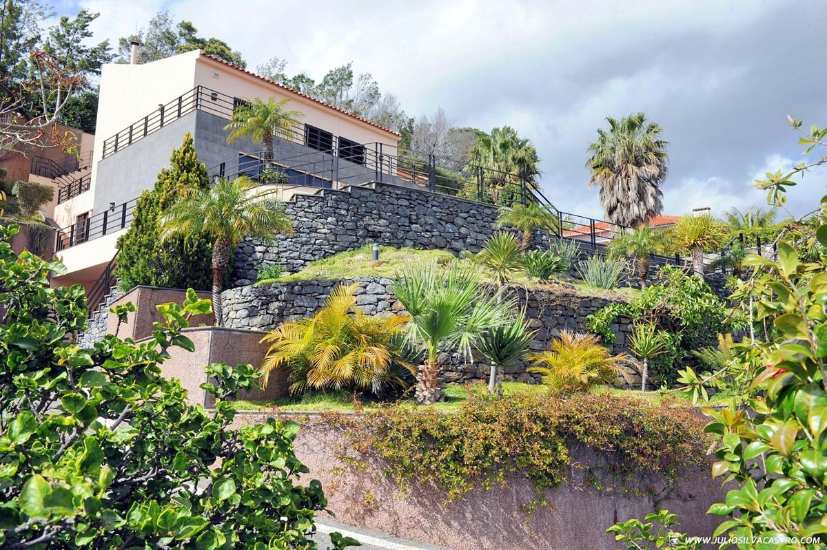 28 Our Madeira Villa Luz Exterior And Gardens
