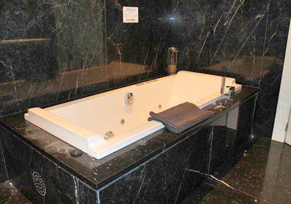 14 Our Madeira Stylehouse Bathroom Jacuzzi 3