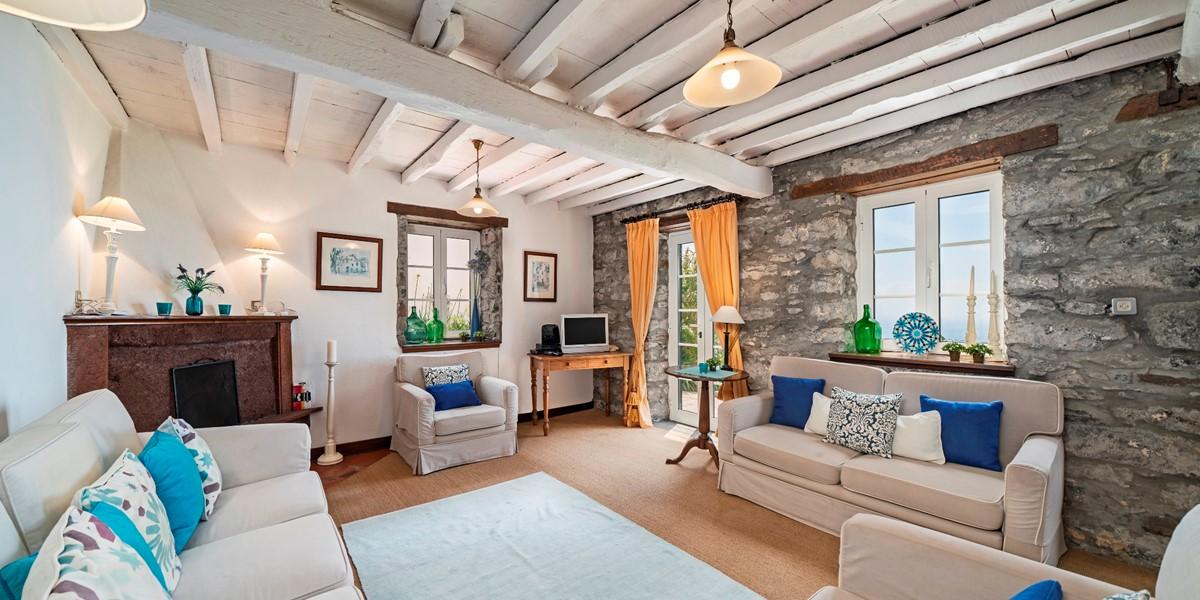 7 Our Madeira Casa Belflores Lounge