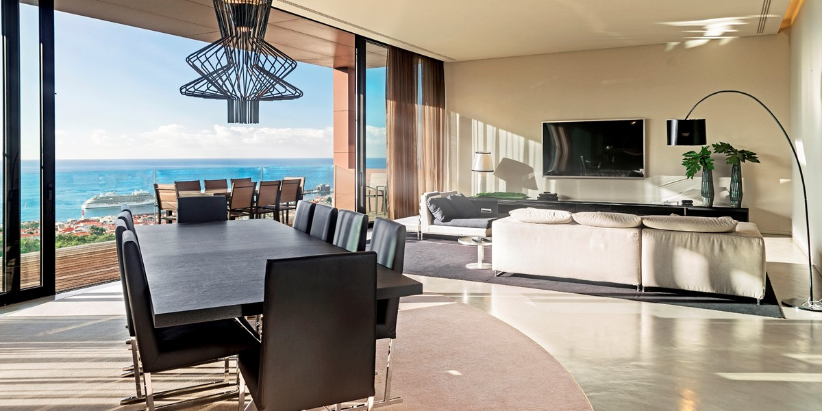 6 Our Madeira Skylounge Living Room