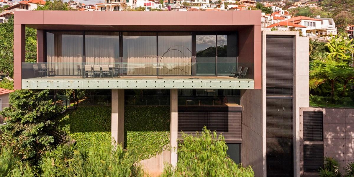 24 Our Madeira Skylounge Facade