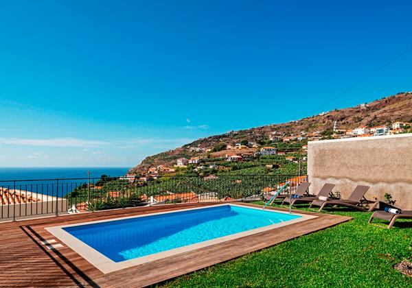 Our Madeira - Villas in Madeira with Pool - Casa Amaro Sunset