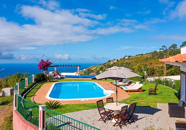 Our Madeira - Villas in Calheta - Theos House