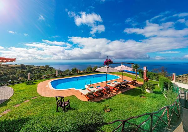 Our Madeira - Villas in Madeira with Seaview - Theos House