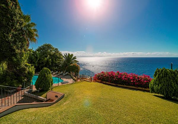 1 Our Madeira Villa Albatroz Garden And View