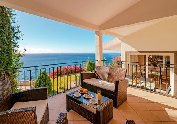 OurMadeira Villas in Madeira - Villa Albatroz Outside Sofas
