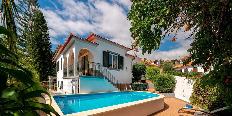2 Our Madeira Villa Amelia Pool And House