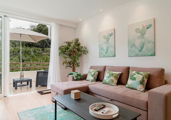 7 Our Madeira Magnolia Apartment Living Area