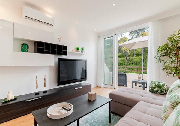 9 Our Madeira Magnolia Apartment Living Area
