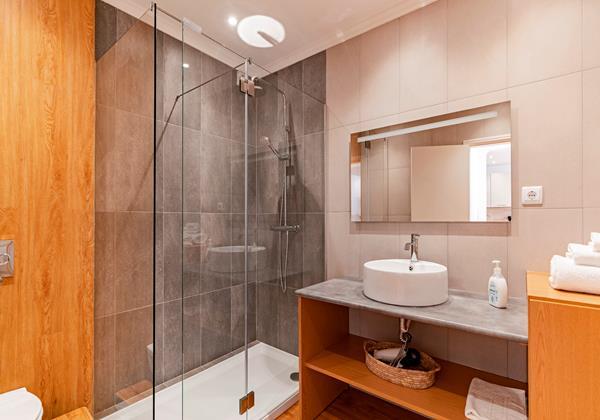 15 Our Madeira Magnolia Apartment Shower Room