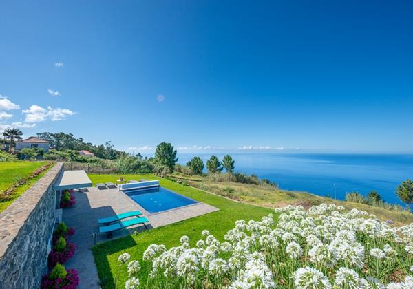 20 Our Madeira Quinta Inacia Pool And View 2