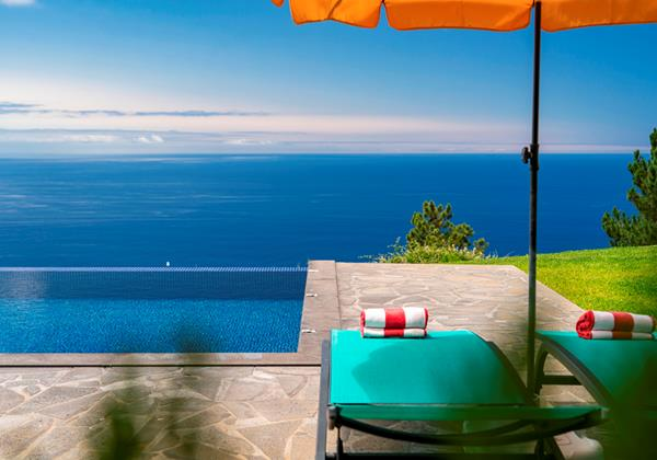 Our Madeira - Apartments in Madeira with Heated Pool - Quinta Inacia Pool Area