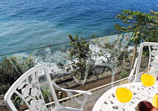16 Our Madeira Cottage Do Mar Outdoor Dining And Beach