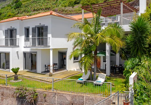 2 Our Madeira Casa Amaro Sol Facade And Garden