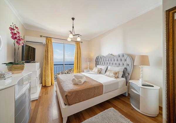 Ourmadeira Villas In Madeira Moradia Falesia Bedroom 1 Master