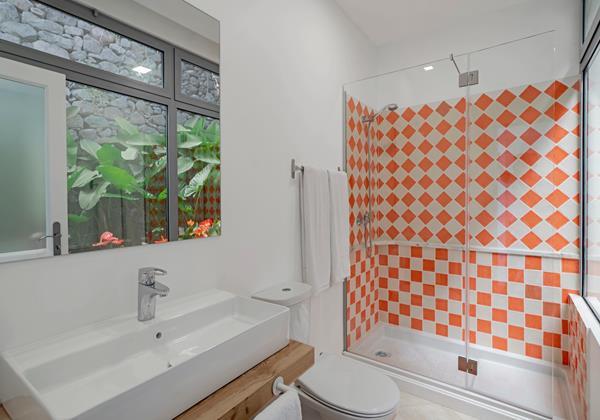 Ourmadeira Villas In Madeira Villa Do Mar IV Bathroom 2