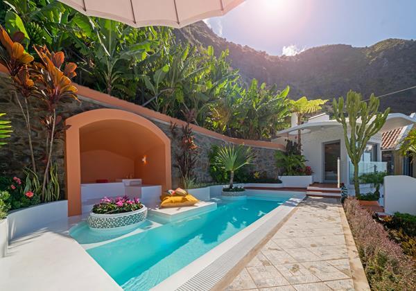 Ourmadeira Villas In Madeira Villa Do Mar IV Pool And Exterior