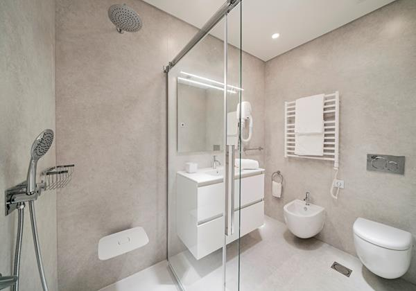Ourmadeira Villas In Madeira Grandview En-suite shower room