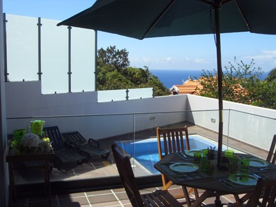 Contemporary villa with private pool, central in Funchal | Casa Branca II