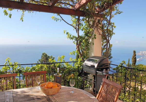 2 MHRD Casa Bela Vista Outdoor Dining And View To Town