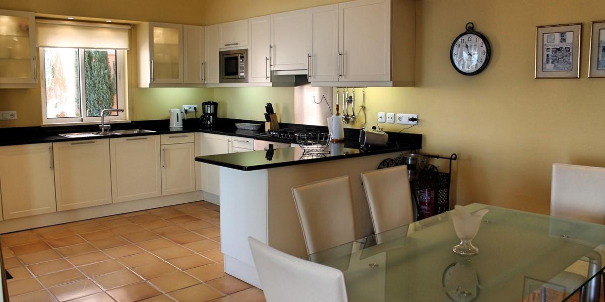 10 MHRD Casa Bela Vista Kitchen