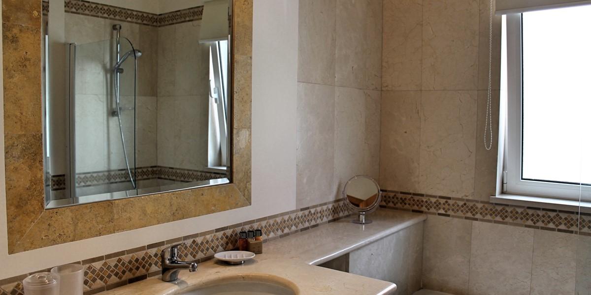 16 MHRD Casa Bela Vista Bathroom En Suite