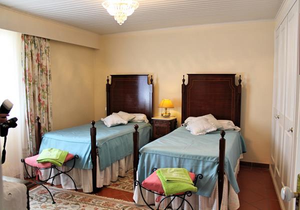 8 MHRD Casa Da Achada Bedroom