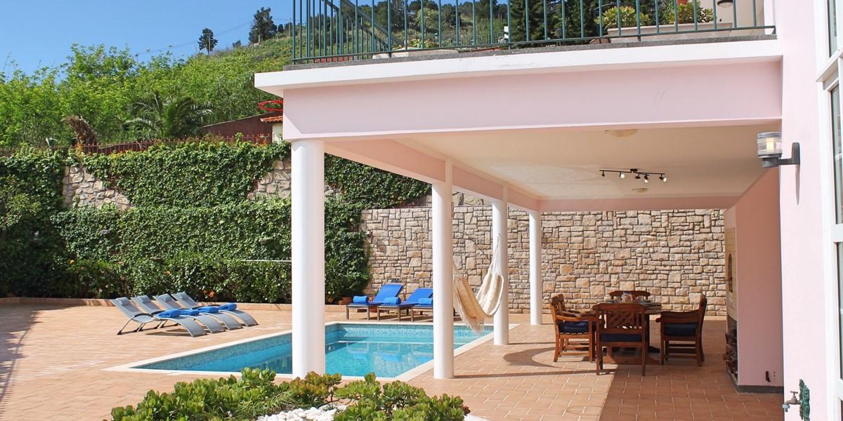 3 MHRD Casa Petronella Pool And Balcony